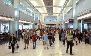 Tempestade de inverno afeta voos em aeroportos do sul da Flórida
