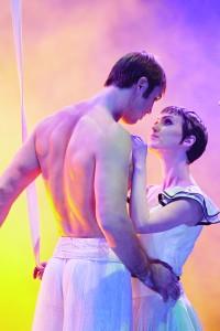 Entrevista com a atriz Erica Linz de Cirque Du Soleil: Worlds Away – Cinema