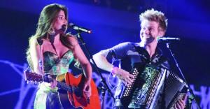 Michel Teló canta com Paula Fernandes – Planeta Música