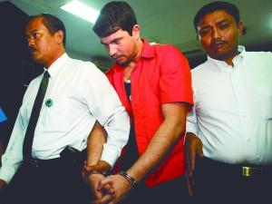 RODRIGO GOULART, PRESO NA INDON…SIA POR TR¡FICO INTERNACIONAL DE DROGAS