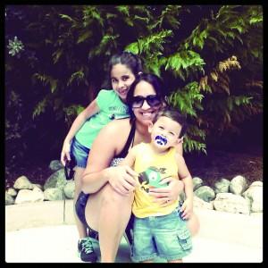 Viviane Gomez e os filhos