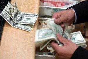 Dólar ultrapassa R$ 3,60 pela primeira vez desde 2003