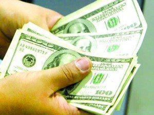Dólar segue em alta e alcança os R$ 3,50