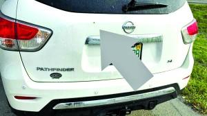 Carro pode ter sido atingido  por raio em Dania Beach