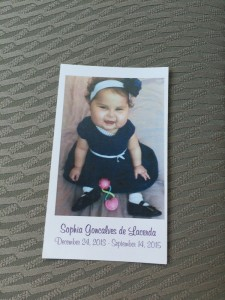Pais e amigos dão o último adeus à Sofia Lacerda
