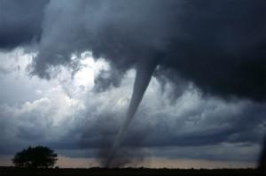 Tornado atinge Davie e a previsão é de mau tempo até sábado
