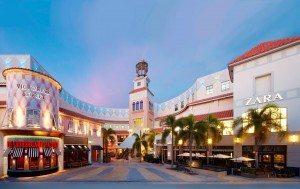 Aventura Mall reabre após falso alarme de tiroteio
