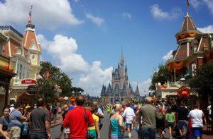 Proibição de cigarro e carrinhos nos parques da Disney entram em vigor esta semana