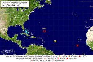 Tempestade tropical vinda da África se aproxima