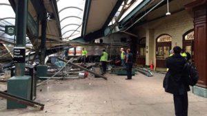 Acidente de trem mata 1 e fere 75 pessoas em New Jersey