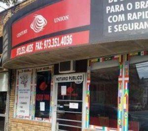 Brasileiros sofrem calote de agências ao enviarem dinheiro para o Brasil