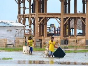 Matthew faz vítimas no Haiti e Flórida decreta estado de emergência