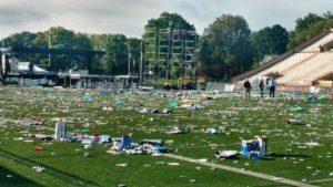 Festa brasileira deixa lixo e destruição em estádio de MA