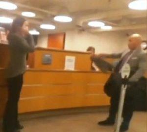 Homem obriga motorista a filmá-lo em roubo a banco em Brickell