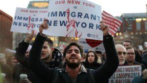 "Nova York vai multar quem usar o termo ""illegal alien"" a imigrante"