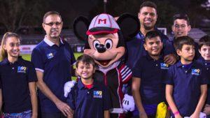Ronaldo Fenômeno lança academia de futebol em Orlando