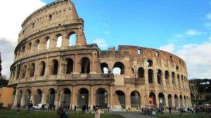Brasileiros invadem o Coliseu e caem de uma altura de 4 metros