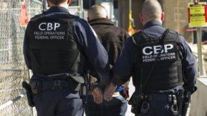 Brasileiro condenado por assassinato é preso em Pompano pelo CBP