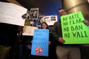 """""""Dia Sem Imigrantes"""" paralisa comércios e até escolas nos EUA"""
