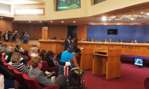 """Câmara aprova que Miami-Dade não seja mais """"santuário"""" para imigrantes"""
