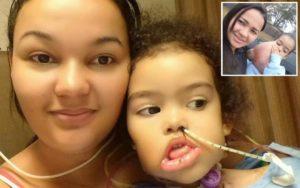 Menina que retirou tumor raro nos EUA volta ao Brasil