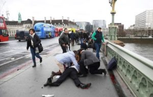 Ataque em Londres pode ter sido terrorista, aponta polícia