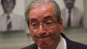 Cunha é condenado por Moro a 15 anos de prisão