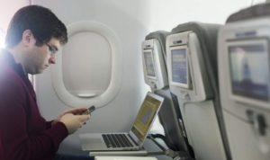 EUA planejam proibir eletrônicos em voos de companhias estrangeiras
