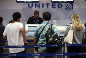Adolescentes são impedidas de voar na United Airlines por usarem calças legging