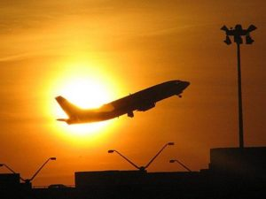Cancelamento de voos internacionais no Brasil chega a 50%