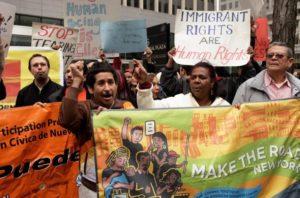 Grupos oferecem apoio a imigrantes em tribunais dos EUA