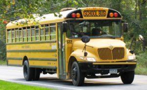 Menino de 9 anos é suspeito de abuso sexual em ônibus escolar