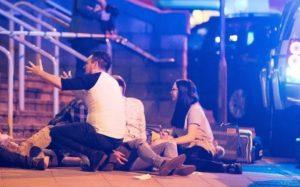 Estado Islâmico mata 22 e fere 59 pessoas em ataque na Inglaterra