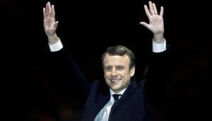 Novo presidente eleito da França, Emmanuel Macron toma posse no domingo
