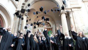 Entenda como funcionam os planos de investimento para faculdade