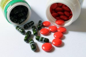 Suplementos e vitaminas: você sabe o que realmente está ingerindo?