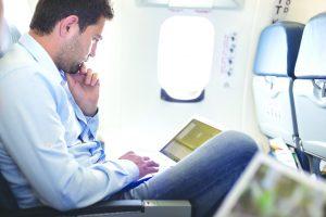 EUA volta atrás em proibição de eletrônicos em voos para o país