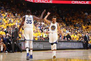 Arrasador, Warriors atropela os Cavaliers no jogo 1