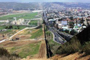 EUA: Governo é acusado de negar passaportes a hispano-americanos