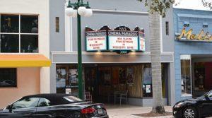 Finalmente achamos um cinema que passa filmes estrangeiros