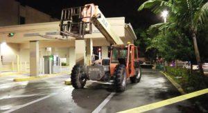 Bandidos usam empilhadeira para arrombar caixa eletrônico na FL