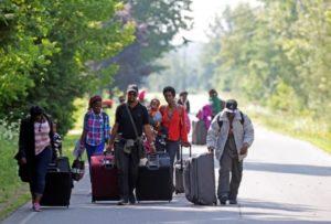 Canadá monta força-tarefa para receber imigrantes que chegam dos EUA