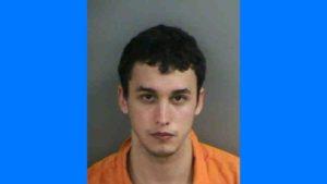Jovem é preso por molestar garotas dentro do Walmart na Flórida