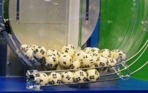 Bilhete premiado de Massachusetts ganha o prêmio de $ 758,7 mi do Powerball