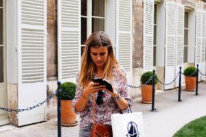 """EUA planejam multar pedestres por """"texting and walking"""""""