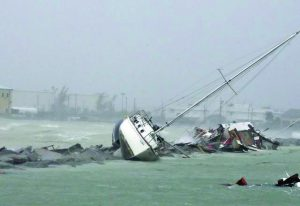 Operação resgata 1.492 barcos que afundaram ou foram danificados pelo furacão