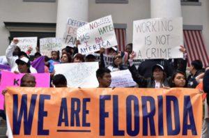 Pesquisa revela o que eleitores da Flórida pensam sobre a questão imigratória