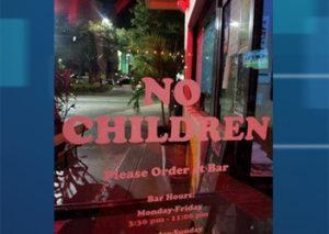 Restaurante de Tampa proíbe entrada de crianças e aborrece residentes