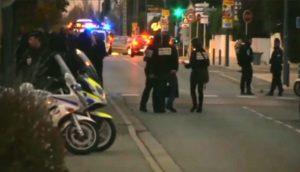 Homem atropela e fere pessoas em frente a escola na França