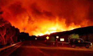 Califórnia: incêndio atinge Los Angeles e estado entra em alerta máximo
